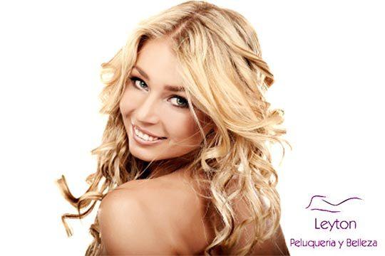 Regálate una experiencia aromática combinando un aceite esencial con un masaje exfoliante en el cuero cabelludo que embellecerá el cabello y la mente ¡Con peinado y corte!