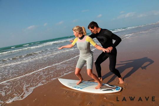 Ya es hora de iniciarte en el surf con 90 min de clases para 1, 2 o 4 personas ¡En la playa de Somo!