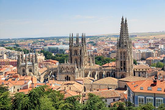 ¡Descubre la belleza de Burgos y su comarca en una escapada 4*! 3 noches en el Hotel & Restaurante El Vallés****