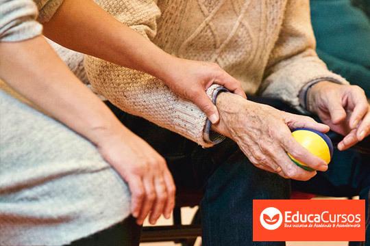 Curso de Técnico de ayuda domiciliaria de la mano de EducaCursos ¡Incluye diploma acreditiativo expedido por la Asociación de Enfermería!