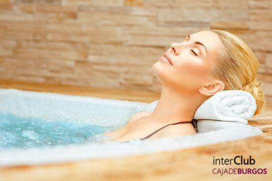 ¡Benefíciate de las propiedades del agua en Interclub Caja de Burgos! Con pediluvio, terma, ducha escocesa, piscina de hidroterapia