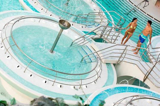 ¡Relax y diversión para toda la familia! Entrada de niño o adulto para el balneario de Caldea ¡Con opción a acceder también a Naturlandia!