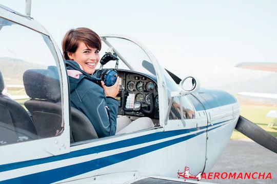 ¡Cumple tu sueño de pilotar un ultraligero! Aeromancha te ofrece la oportunidad de formarte con diploma acreditativo incluido