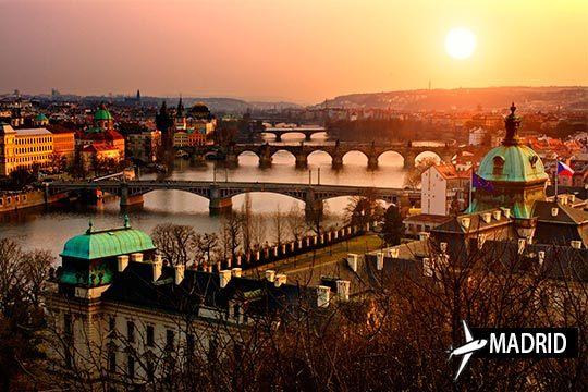 Programa una escapada a Praga con salida desde Madrid ¡3 noches en hotel con desayuno!