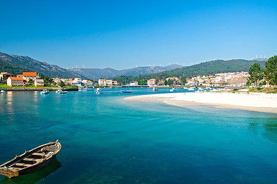 ¡En agosto de vacaciones a Sanxenxo! Estancia de 7 noches con media pensión en la playa de La Lanzada