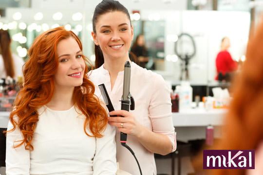 ¡Sesión de peluquería completa! Lavado, hidratación, peinado y opción a corte en la Peluquería Mikal