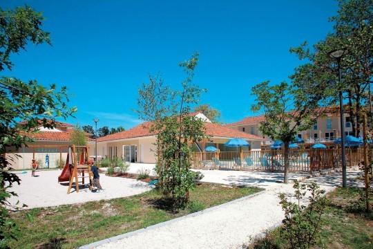 Relájate cerca del lago Hourtin, en Landas. Aprovecha la estancia de 4 noches en Le Petit Pont, en apartamentos para 4 o 6 personas.