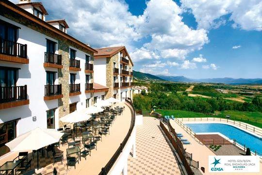 Elige entre 1 o 2 noches con desayunos, circuito Spa y copa de cava en el Hotel Real Golf & Spa Badaguás Jaca ¡Incluye el Puente del Pilar!