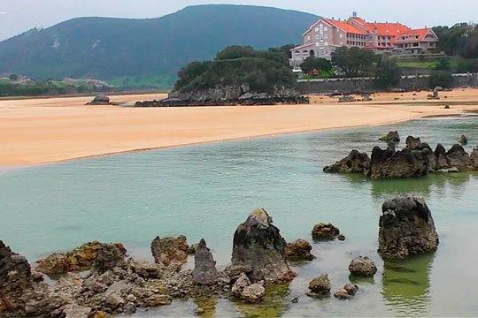 ¡Disfruta de unos días junto a la playa de Isla! Estancia con desayunos y cena especial con entrecotte o chuletón