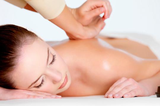 Elige el masaje que mejor se adapte a tus necesidades y empieza a cuidarte con la quiromasajista Rosa Guinea ¡30 o 60 minutos de masaje profesional!
