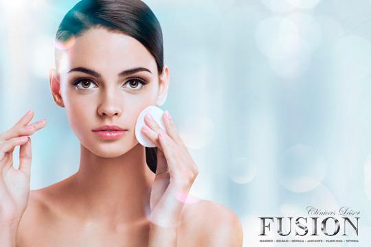 Presume de un rostro cuidado y libre  de imperfecciones gracias a 1 o 3 sesiones de microdermoabrasión facial con punta de diamante ¡Notarás los resultados!