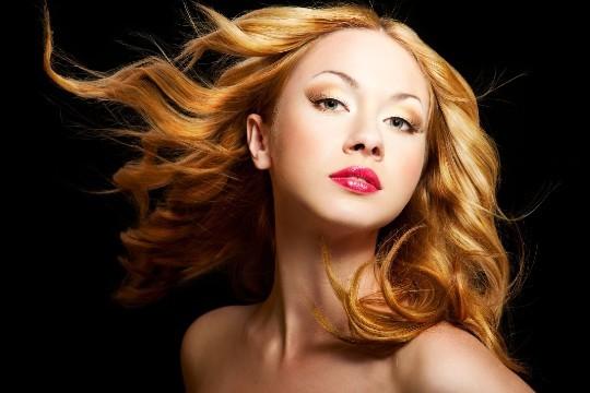 Se la más guapa de las fiestas con una melena suave y de color radiante. Aprovecha la sesión de peluquería en el Centro Estilista Belén, en Lasarte- Oria, que incluye color o tinte, hidratación, lavado y más