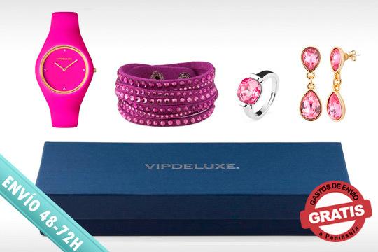 ¡Celebra las navidades y haz un buen regalo a alguién especial! Caja regalo compuesta por pendientes, pulsera + anillo + reloj con cristales de Swarovski