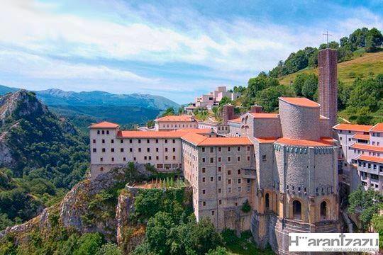 1 o 2 noches con desayuno y opción a cena en el Hotel Santuario Arantzazu en Oñati ¡Belleza y naturaleza en Gipuzkoa!