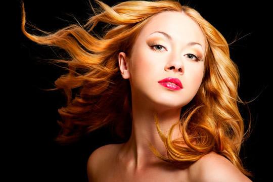 ¡No alargues más acudir a la peluquería y luce un pelo sano y bonito en Selket Estilistas! Sesiones de peluquería completas con opción a tinte, mechas e hidratación