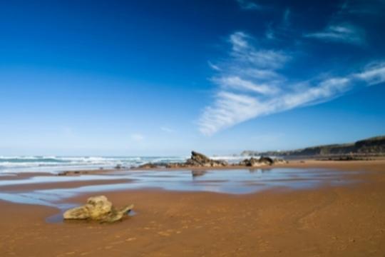 1, 2 o 3 noches con desayunos en el Hotel Solymar de Argoños + visita a una fábrica de conservas y opción a parrillada ¡Disfruta del descanso en las playas de Cantabria!