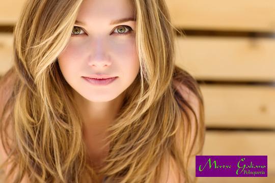 Luminosidad y viveza para tu cabello con una sesión con lavado + hidratación + corte + peinado en la Peluquería Mertxe Galiano