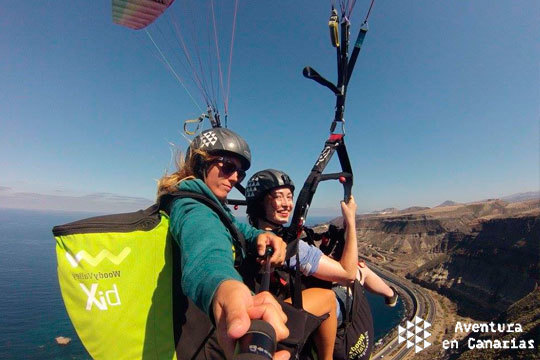 ¡90 minutos de vuelo en parapente sobrevolando Canarias! Incluye fotografías para que nunca olvides esta experiencia