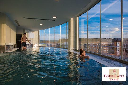 ¡Relajación y bienestar en el Gran Hotel Lakua *****! Circuito de 60 minutos con opción a masaje relajante