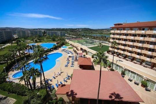 ¡Esta Semana Santa vive al máximo la Costa Dorada: playa y diversión! Aprovecha la estancia de 3 o 4 noches con media pensión o pensión completa en hotel 4*.