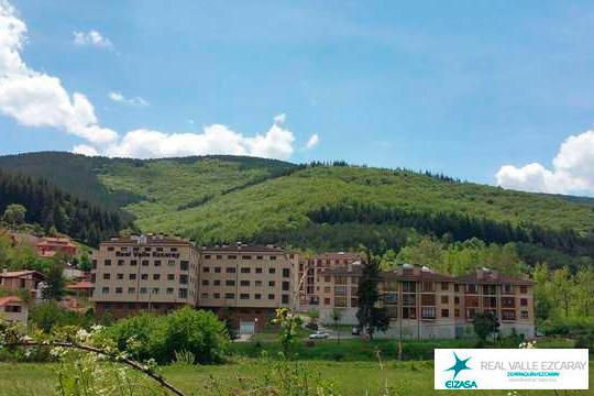 Aprovecha al máximo el verano con una escapada a La Rioja, podrás disfrutar de 1 ó 2 noches en Apartamentos Real Valle de Ezcaray + visita a bodega y degustación de vinos